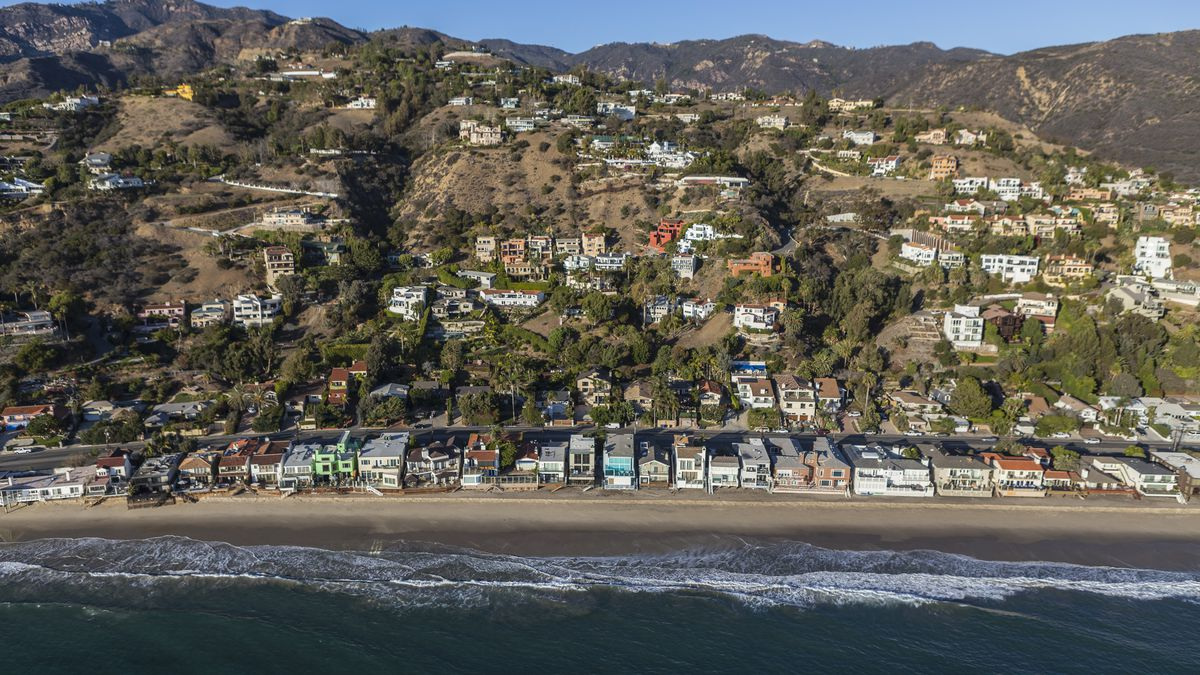Malibu S Sline And Mountains Filled With Homes By Trekandshoot Shutterstock