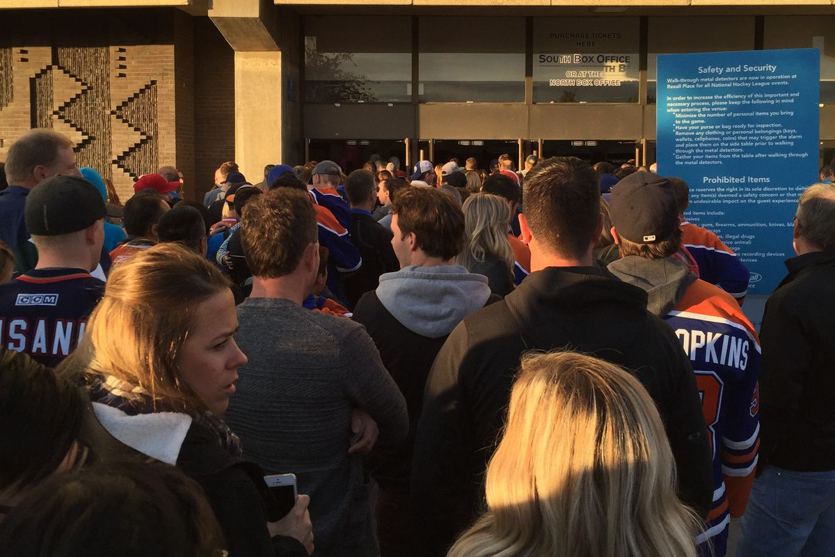 One of the shorter lines at Rexall Place last Wednesday.