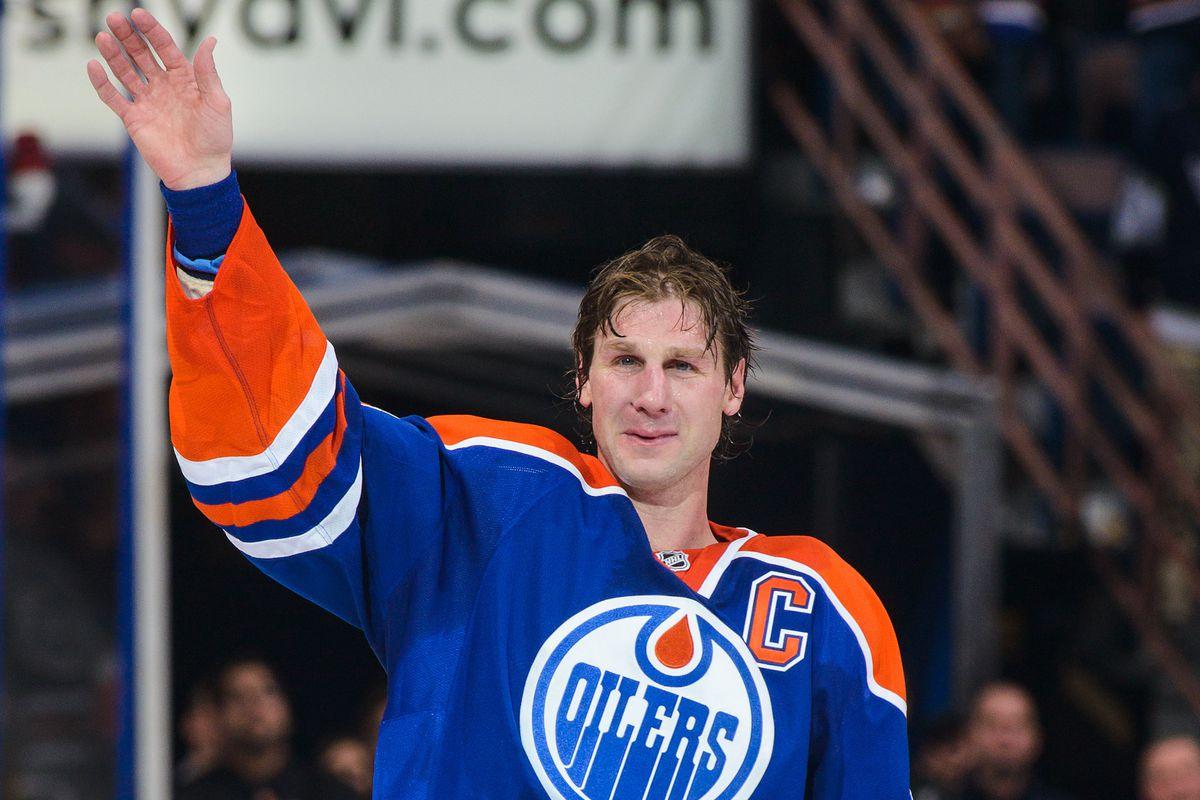Ryan Smyth salutes the Oilers faithful on his last game