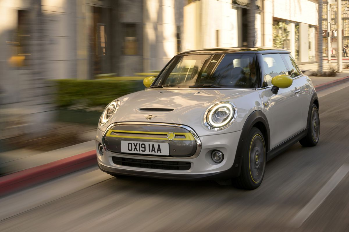 The first electric Mini helps explain why BMW's CEO just ...