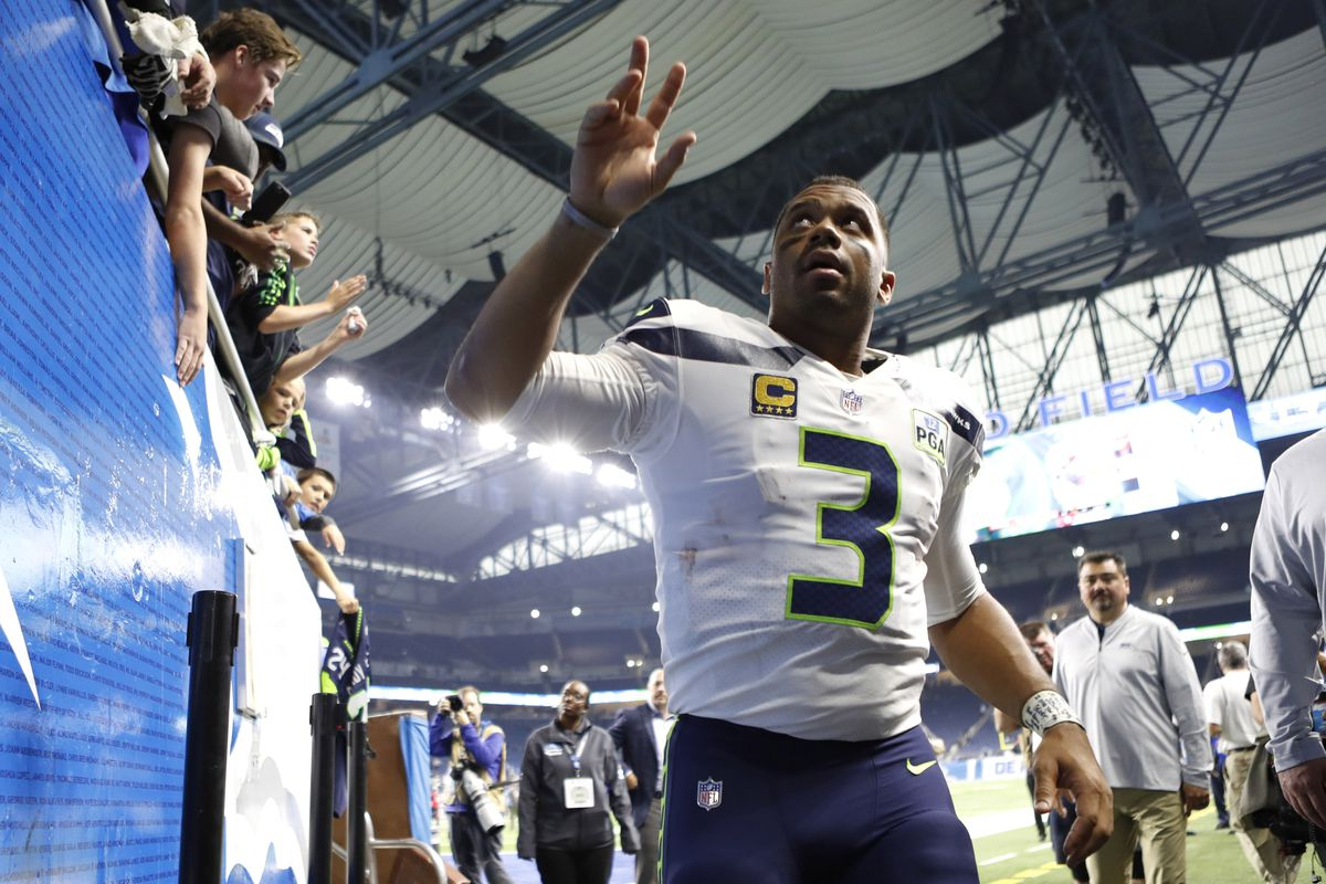 b7cab8b53 These stats show why Seahawks QB Russell Wilson is an elite passer ...