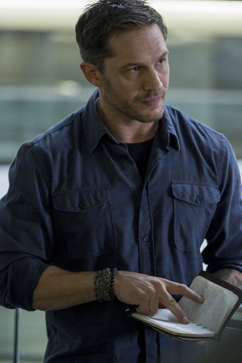 First look at Tom Hardy as Eddie Brock(Venom)