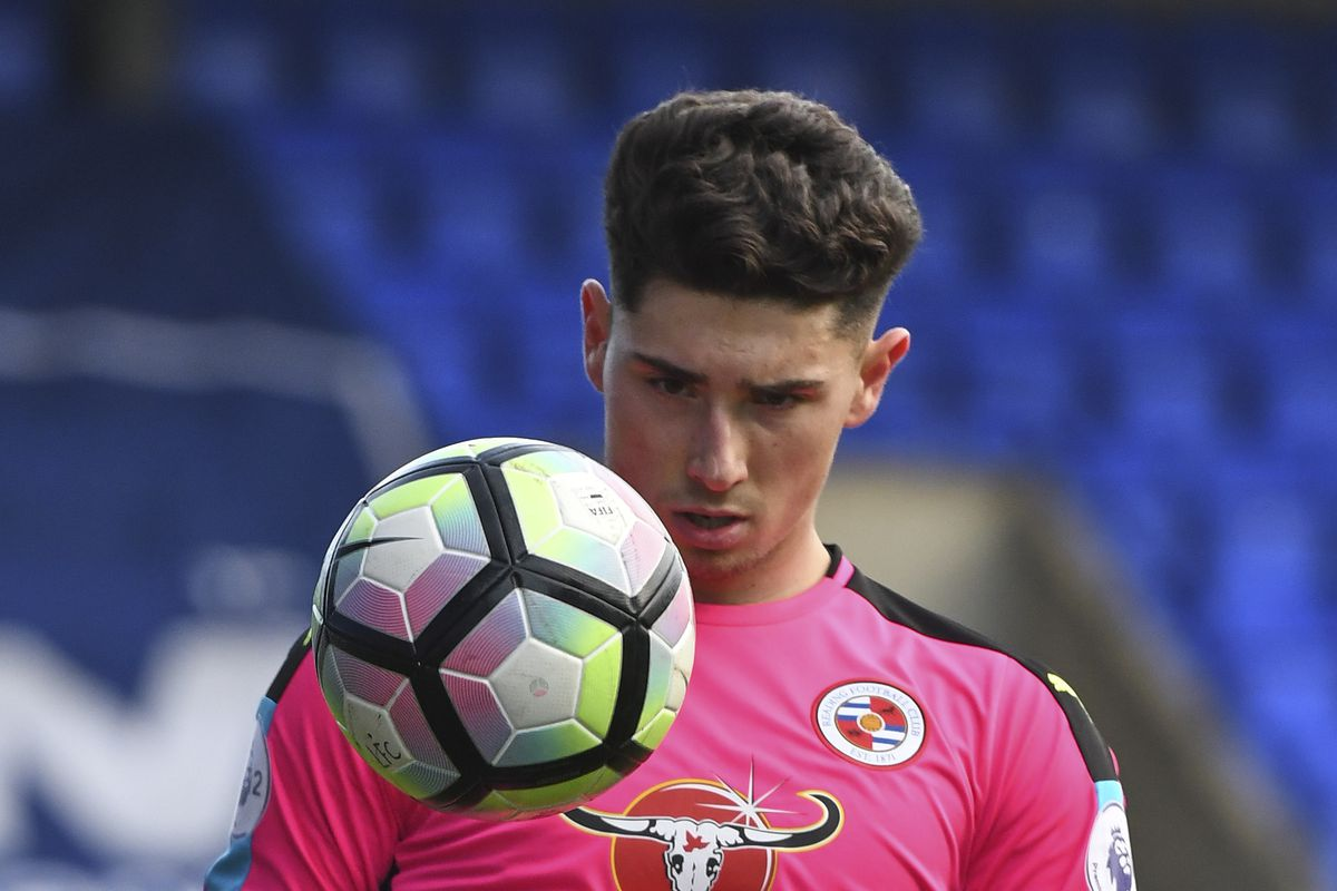 Luke Southwood Extends Reading FC Contract, Heads Back Out On Loan ...