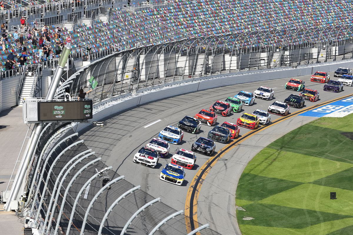 A general view of the start of the NASCAR Cup Series O'Reilly Auto Parts 253 at Daytona International Speedway on February 21, 2021 in Daytona Beach, Florida.