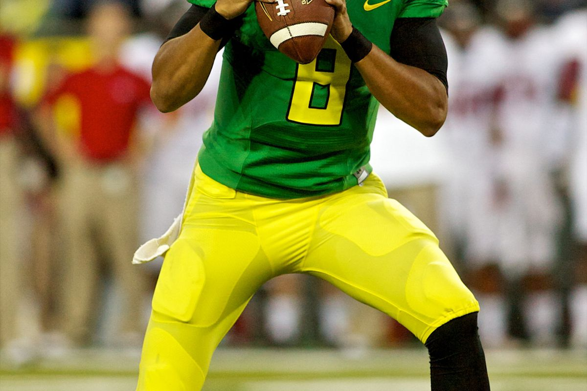 Marcus Mariota has the Ducks on the rise in ATQ's BlogPoll. Does Oregon's 57-34 win get them all the way to #1?