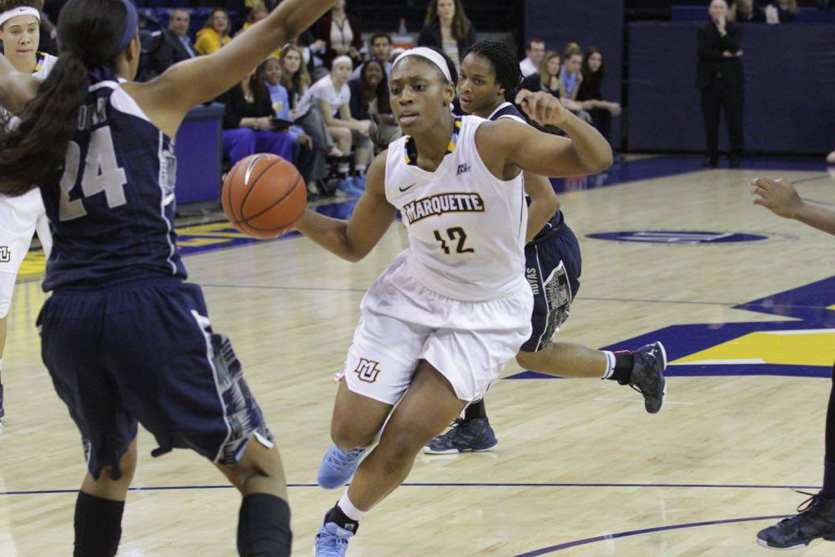 Erika Davenport ripped off 16 points in the second half against Xavier.