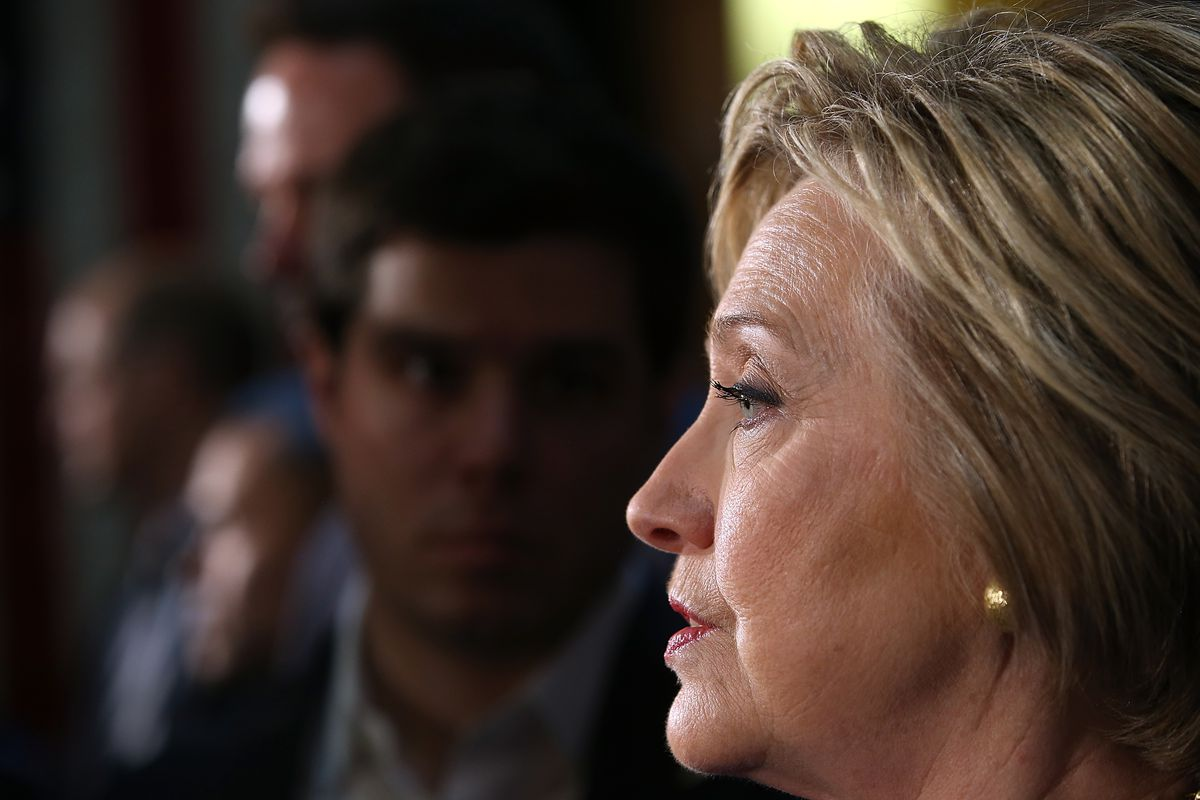 Hillary Clinton Holds round table with Muslim Community leaders In LA