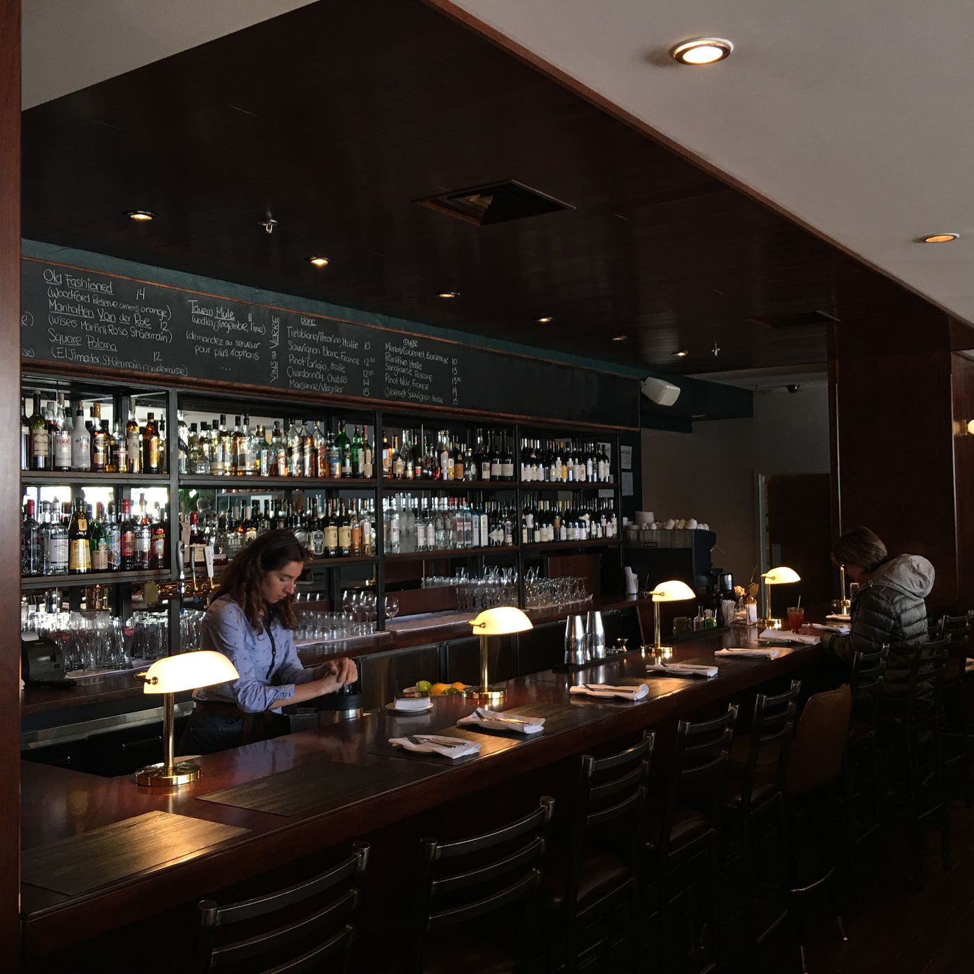 Bar Design Pour Maison critic: westmount favourite is as good as ever - eater montreal