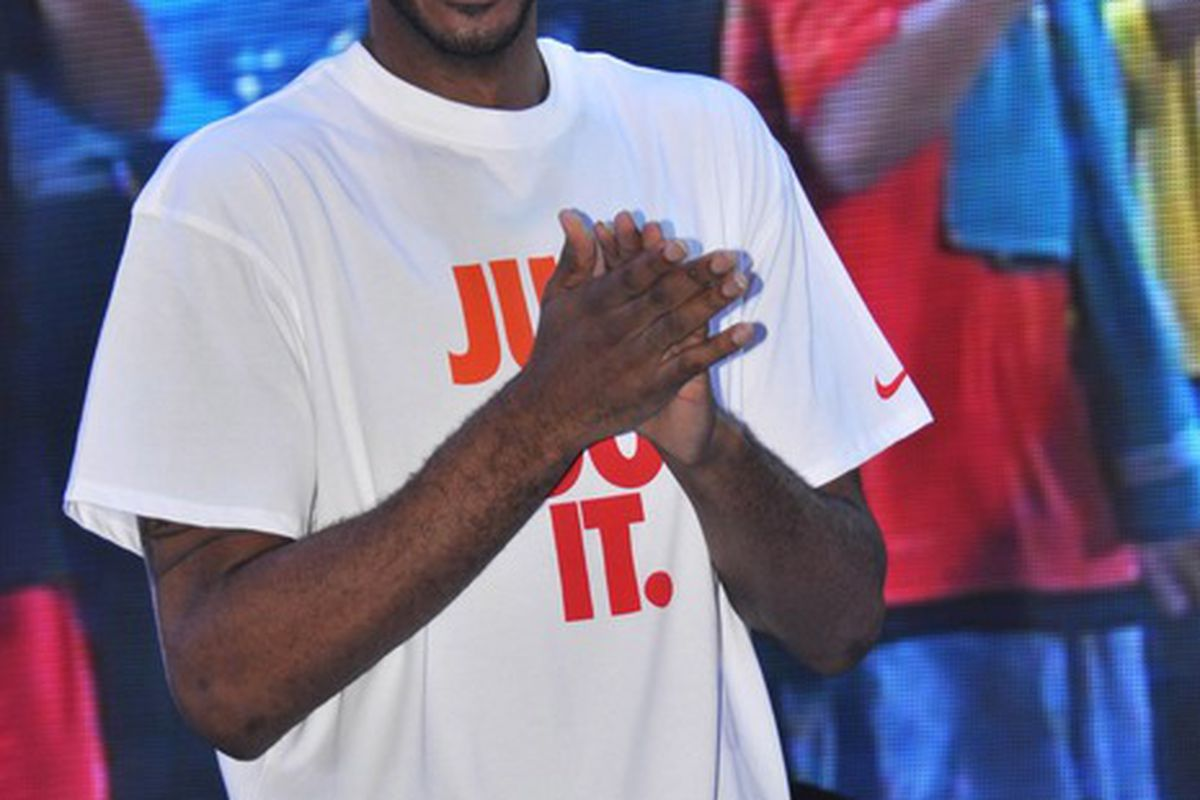 SHANGHAI, CHINA - AUGUST 21: (CHINA OUT) American professional basketball player LaMarcus Aldridge of the Portland Trail Blazers attends NIKE Promotional Event on August 21, 2011 in Shanghai, China. (Photo by ChinaFotoPress/Getty Images)