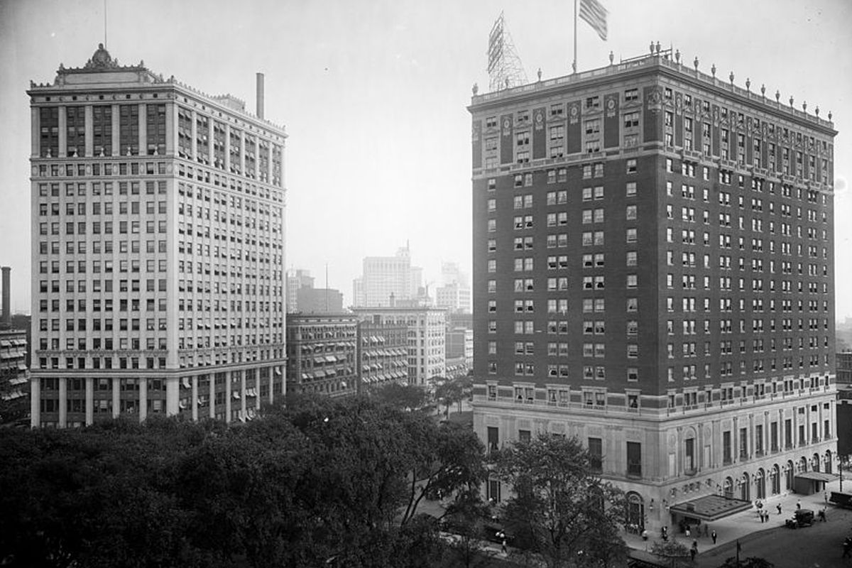 The David Whitney Building (left) circa 1915