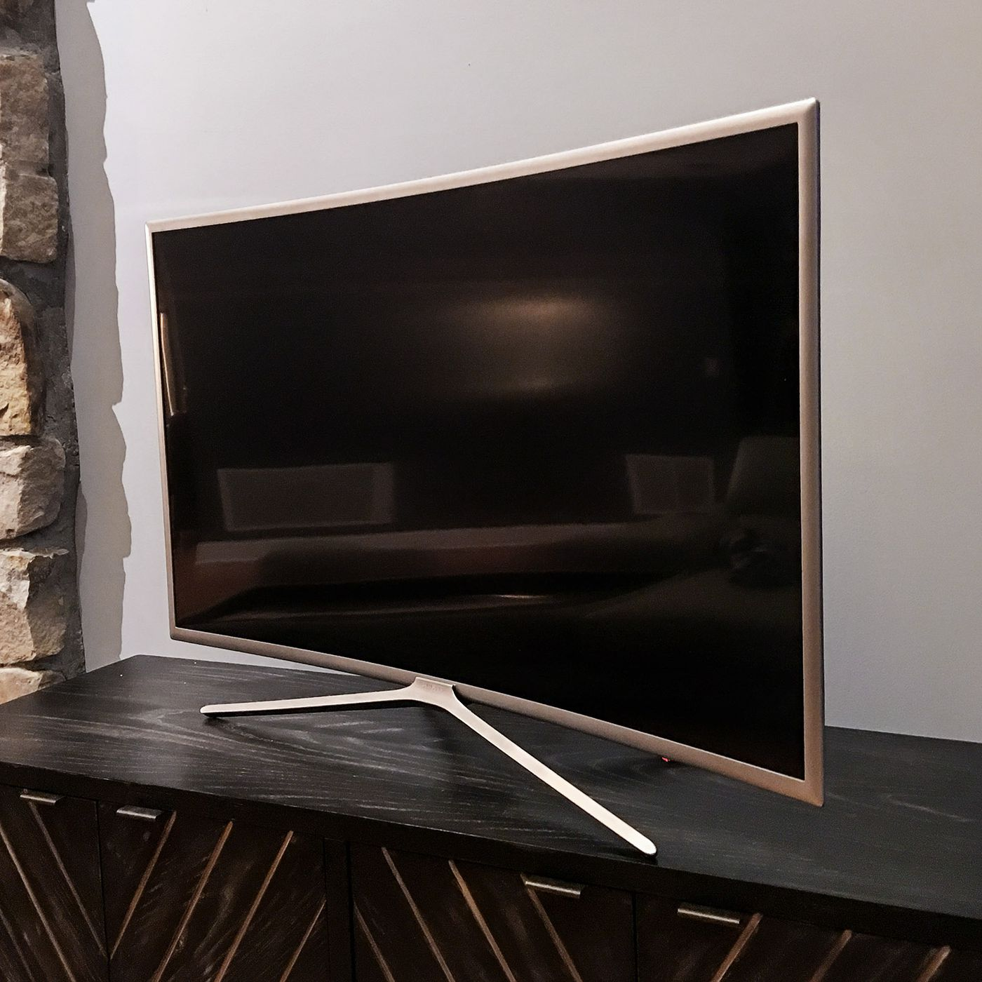 A Review Of My New Samsung Curved Tv I Hate It So Much The Verge