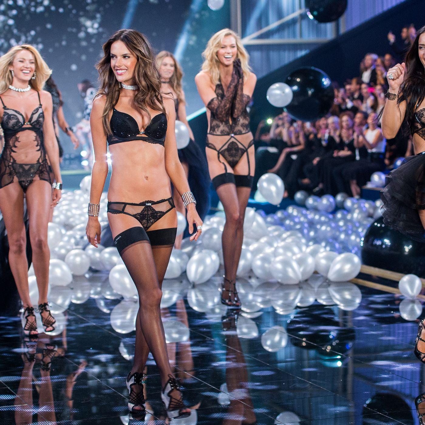 df3cea0c1d5 Victoria's Secret fashion show 2018: history and controversies - Vox