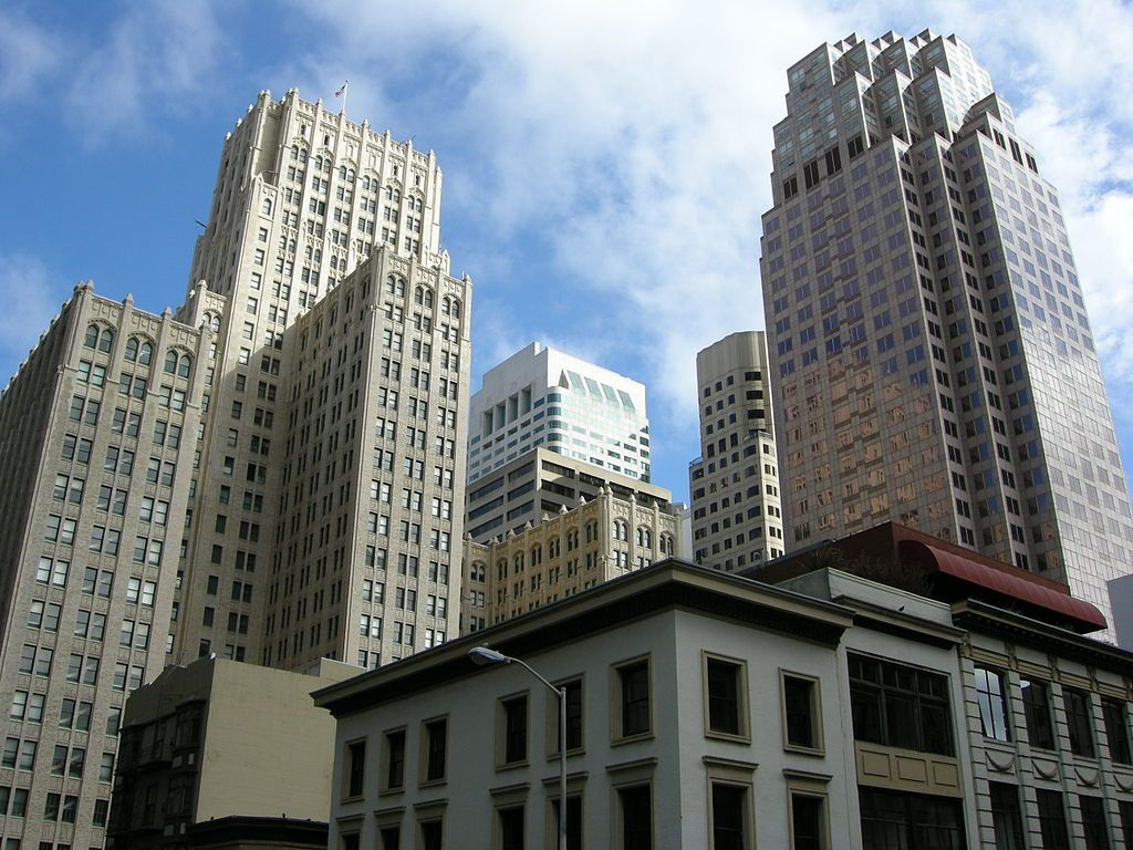 A group of tall buildings in San Francisco.