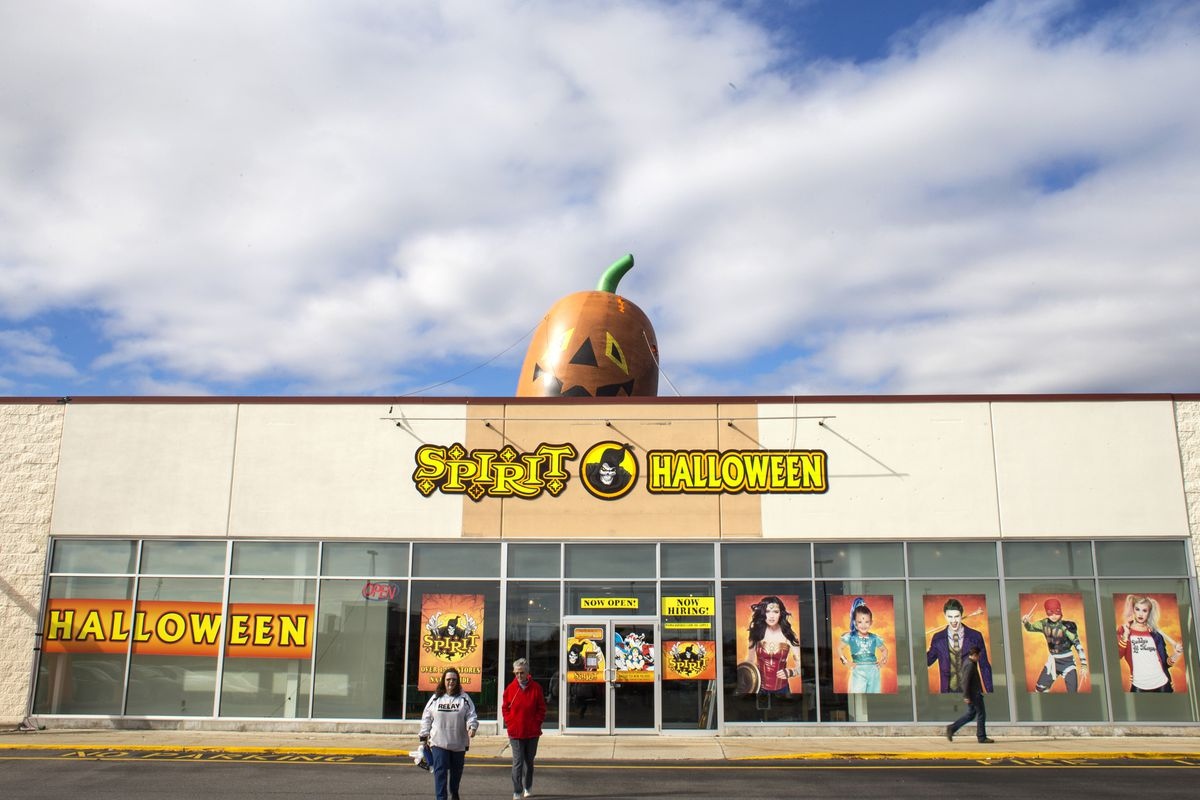 2020 Spirit Halloween Ads Spirit Halloween and Party City's pop up business model, explained