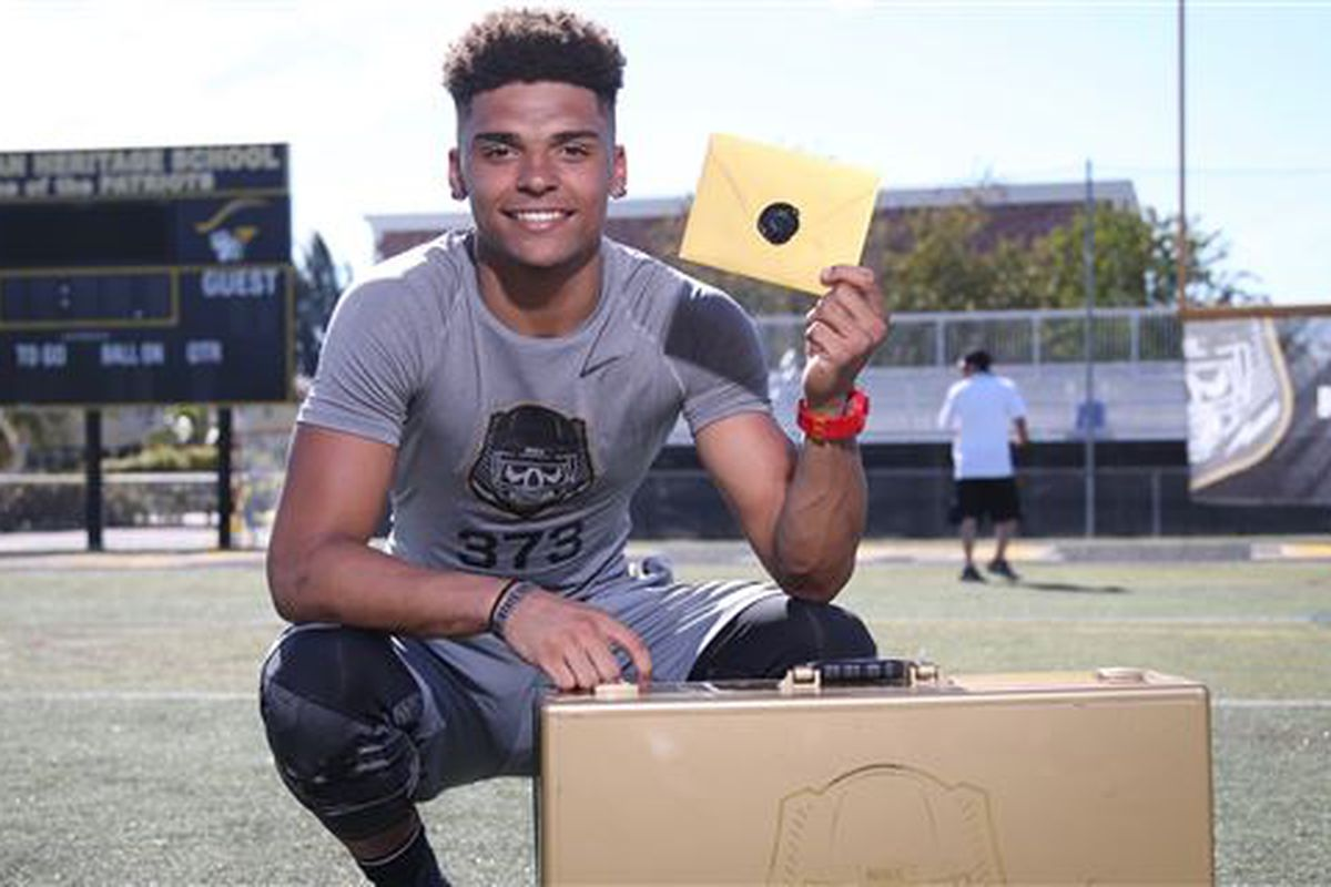5-star WR Trevon Grimes has Miami in his top 6. Can the Canes make a move?