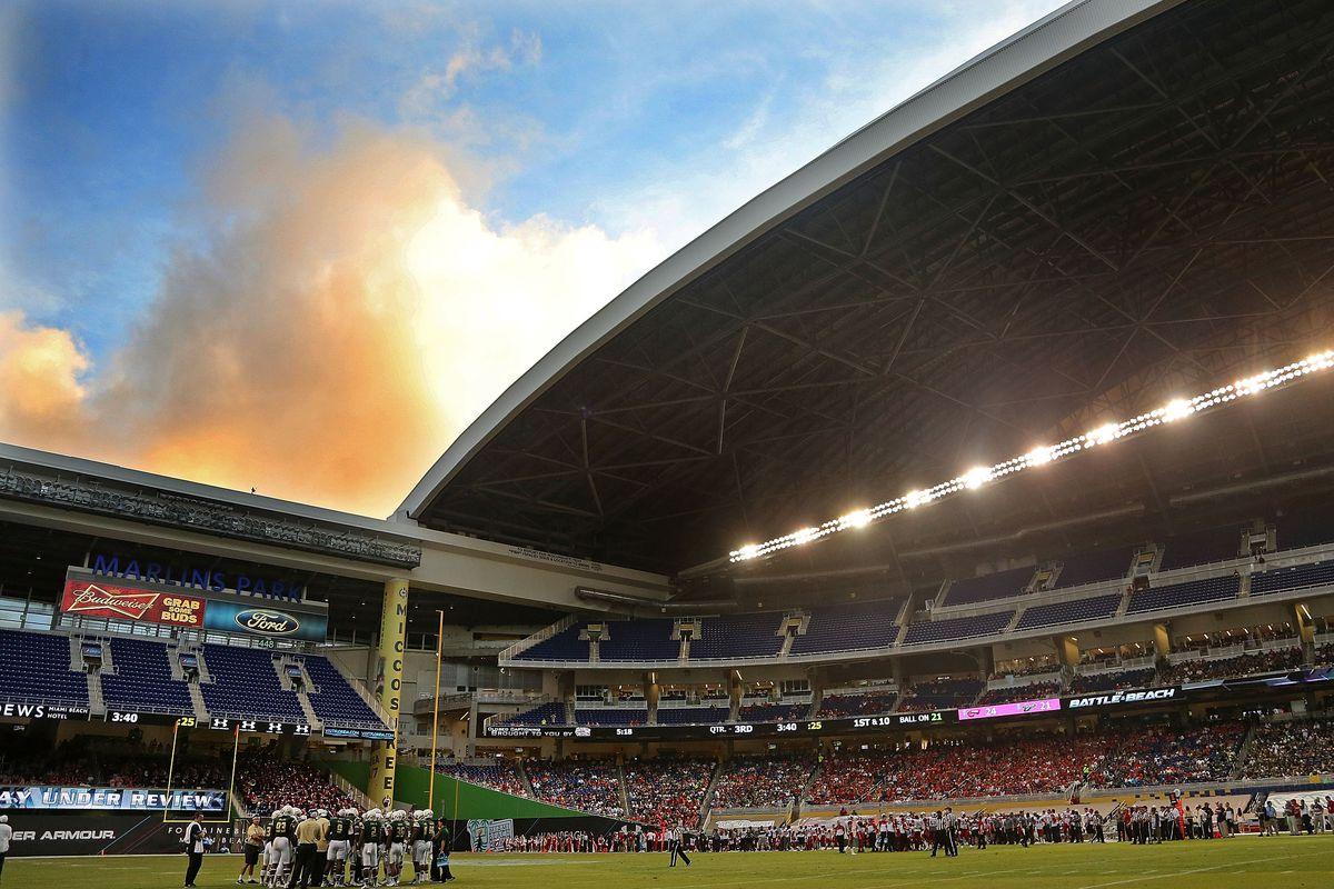 Miami Beach Bowl - South Florida v Western Kentucky