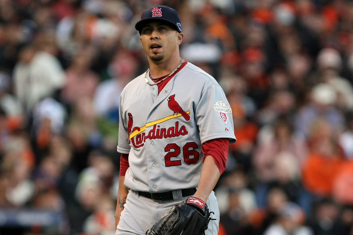 Kyle Lohse will officially be wearing a Brewers uniform in 2013.
