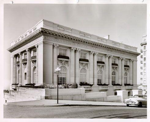 Spreckles mansion in 1954.
