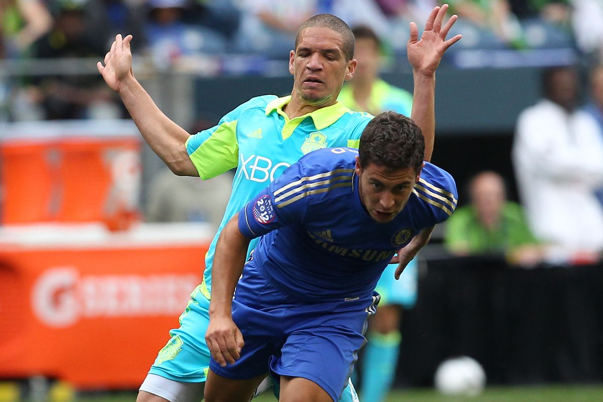 Might Osvaldo Alonso be playing Chelsea for real?