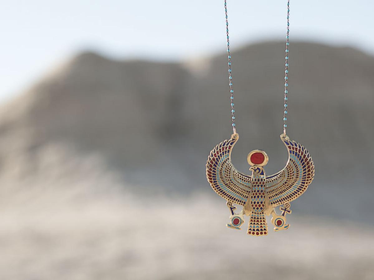 "Image via <a href=""http://sheilabjewelry.com/"">Sheila B Jewelry</a>"