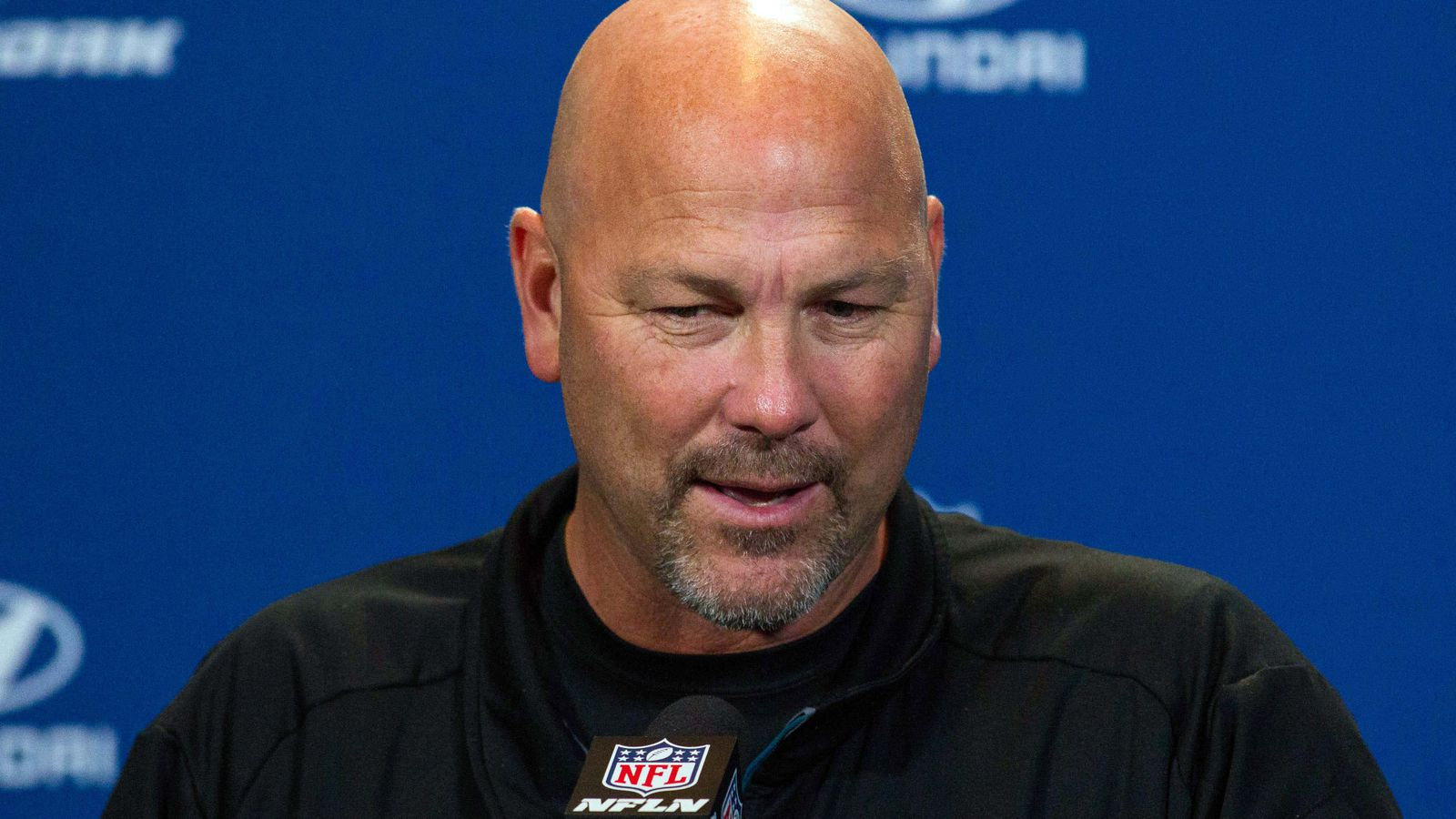 Former Seahawks DC Gus Bradley catches up with John ...