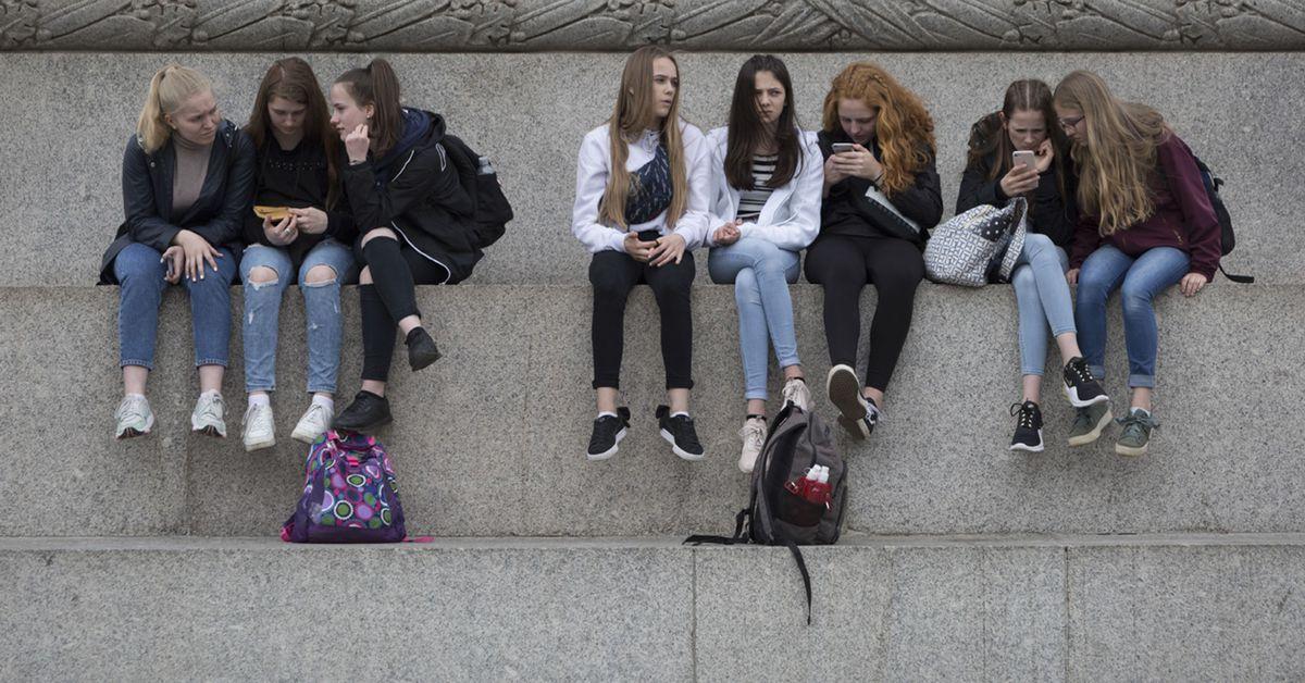 Facebook's Instagram for kids worries child safety experts  image