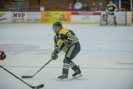Erin Ambrose playing for Clarkson University