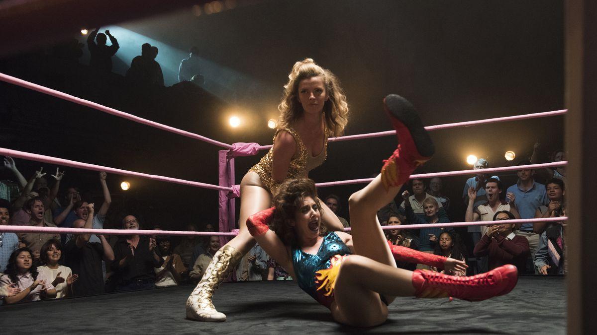 GLOW season 1 fight between Debbie and Ruth
