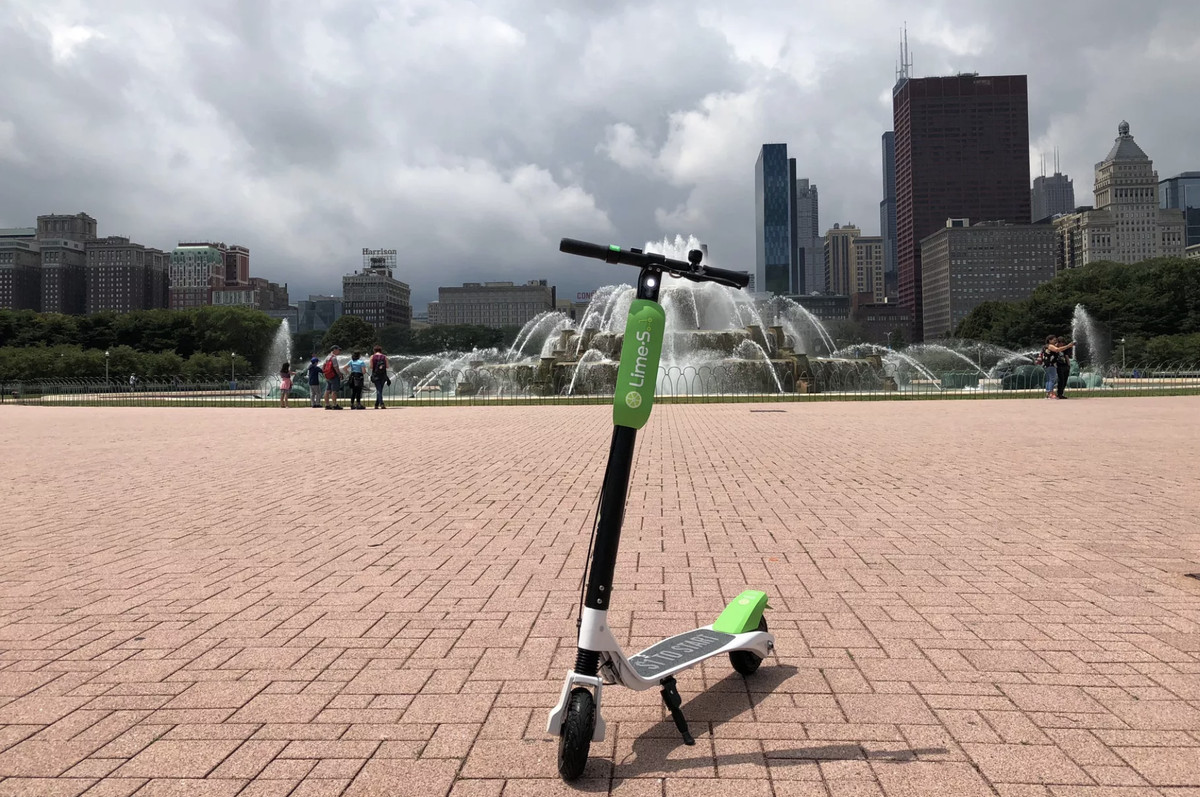 Chicago rolls out dockless electric scooter on the city's West Side