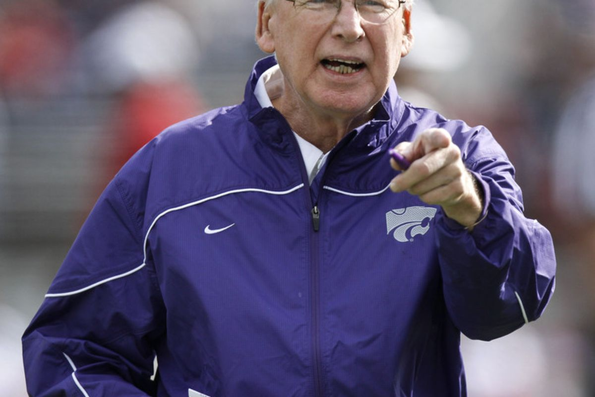 MANHATTAN, KS - OCTOBER 29:  Head coach Bill Snyder of the Kansas State Wildcats instructs his team during a game against the Oklahoma Sooners at Bill Snyder Family Stadium on October 29, 2011 in Manhattan, Kansas. (Photo by Ed Zurga/Getty Images)