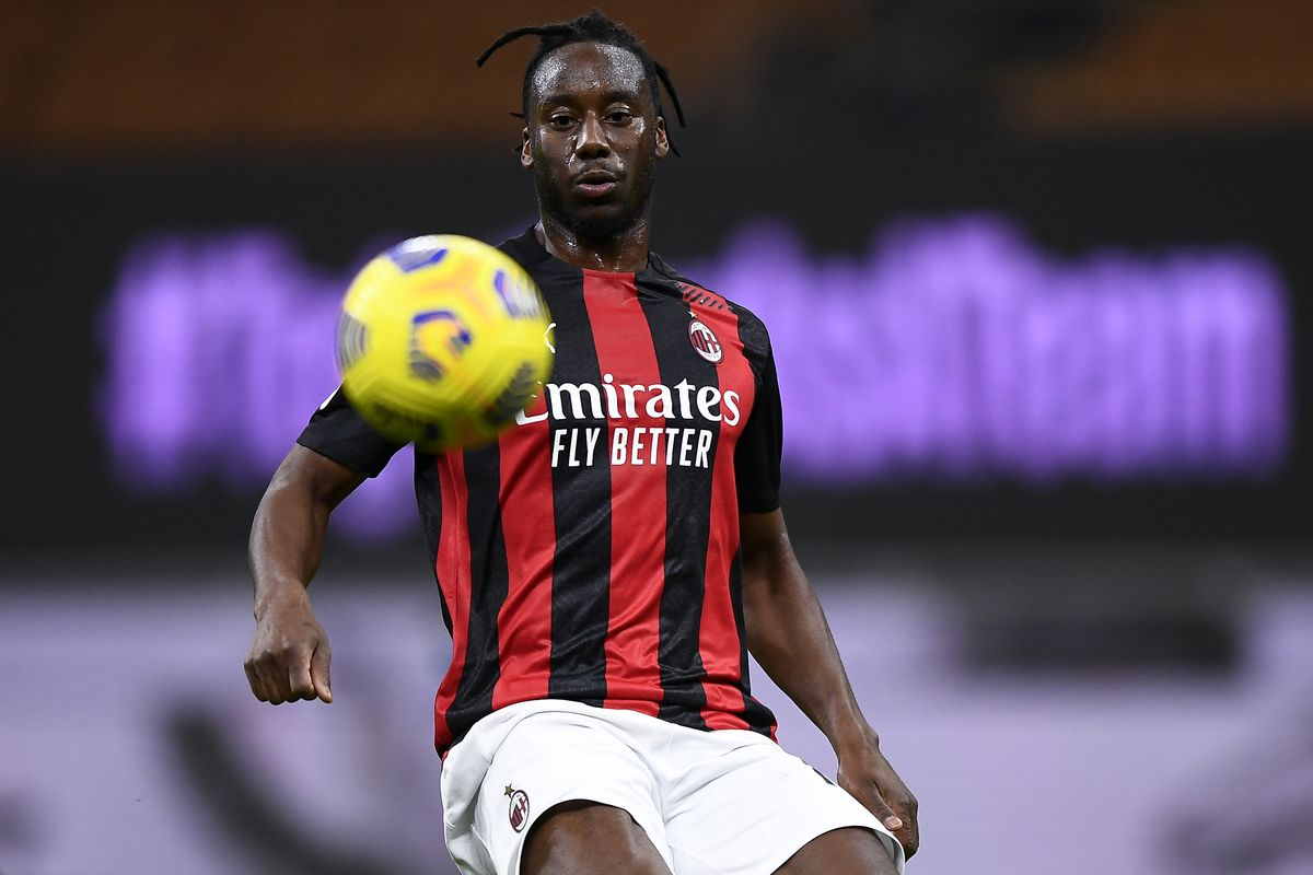 Soualiho Meite of AC Milan eyes the ball during the Coppa...