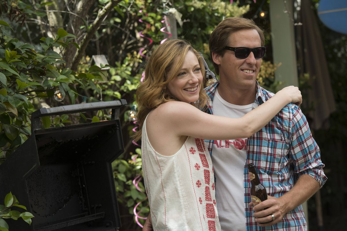 Nat Faxon and Judy Greer play Russ and Lina on Married.