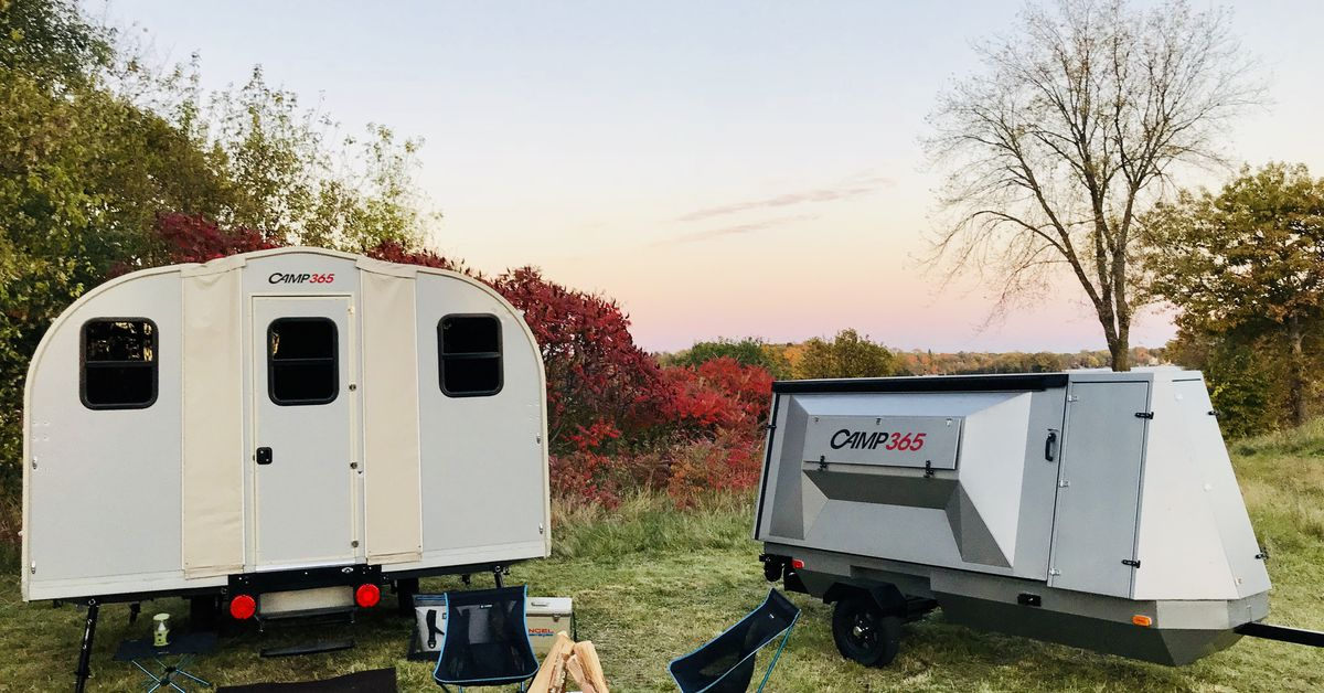 Tiny trailer unfolds into a 100-square-foot cabin