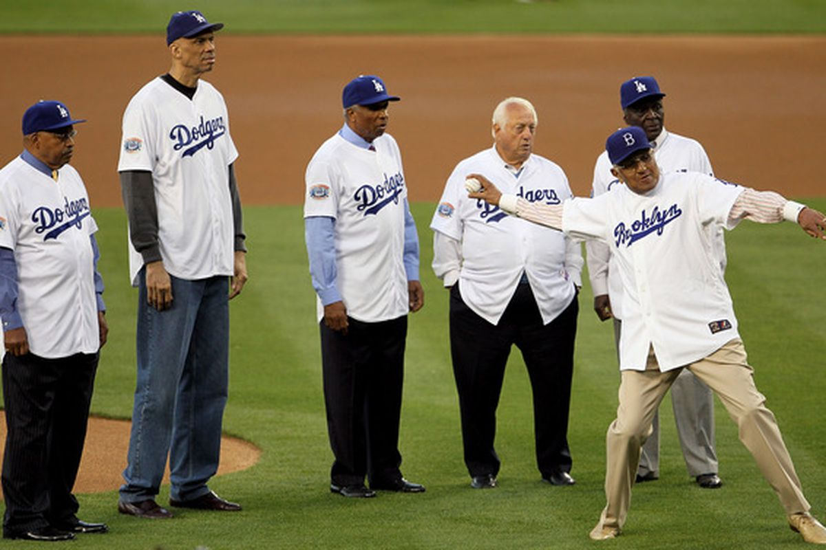 Don Newcombe and Tommy Lasorda will be among the Dodgers on hand Thursday at Dodger Stadium to Veterans Day batting practice.