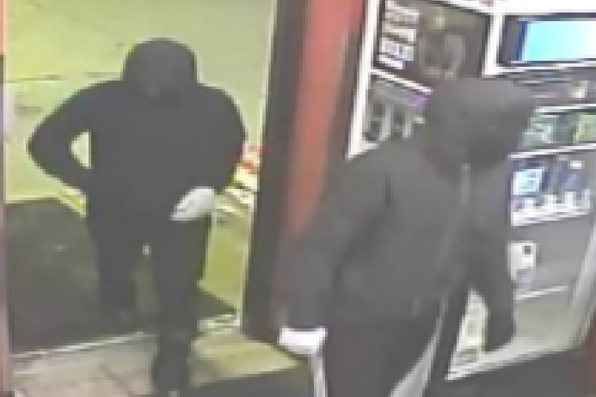 Niles Shell gas station robbed by masked suspects, police say