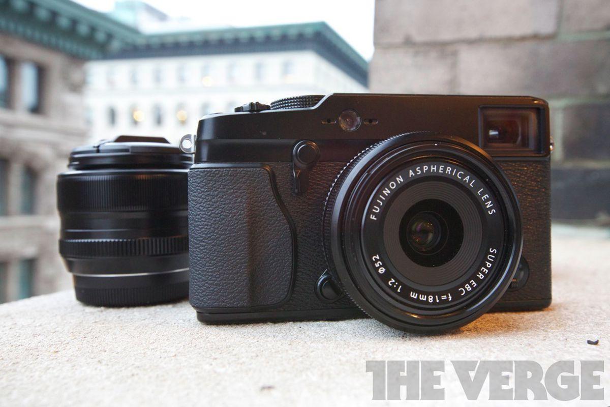 Fujifilm X-Pro1 hero (1024px)