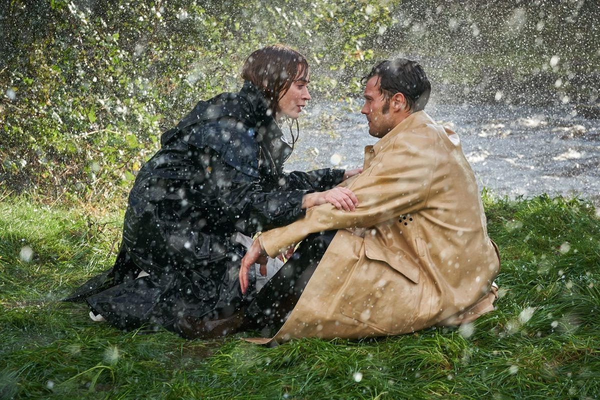 Wild Mountain Thyme: Emily Blunt and Jamie Dornan being romantic on a rainy pond bank