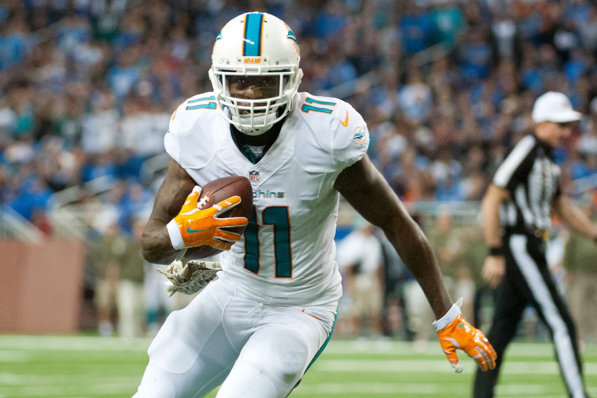 Discount Mike Wallace frustrated with Dolphins' offense