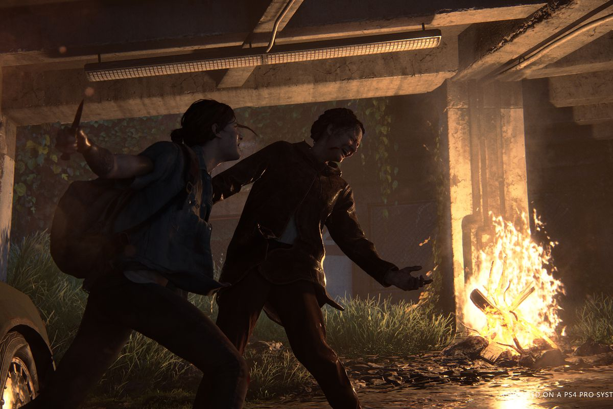 Ellie slashes a woman with a switchblade in The Last of Us Part 2