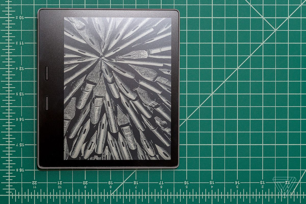 Amazon Kindle Oasis (2017) review: total immersion - The Verge