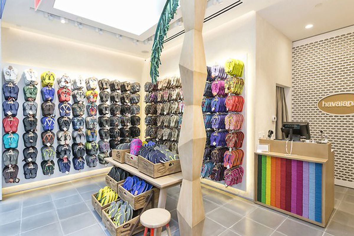 cd5f78da655657 Noncommittal Havaianas Opens First Permanent NYC Store - Racked NY