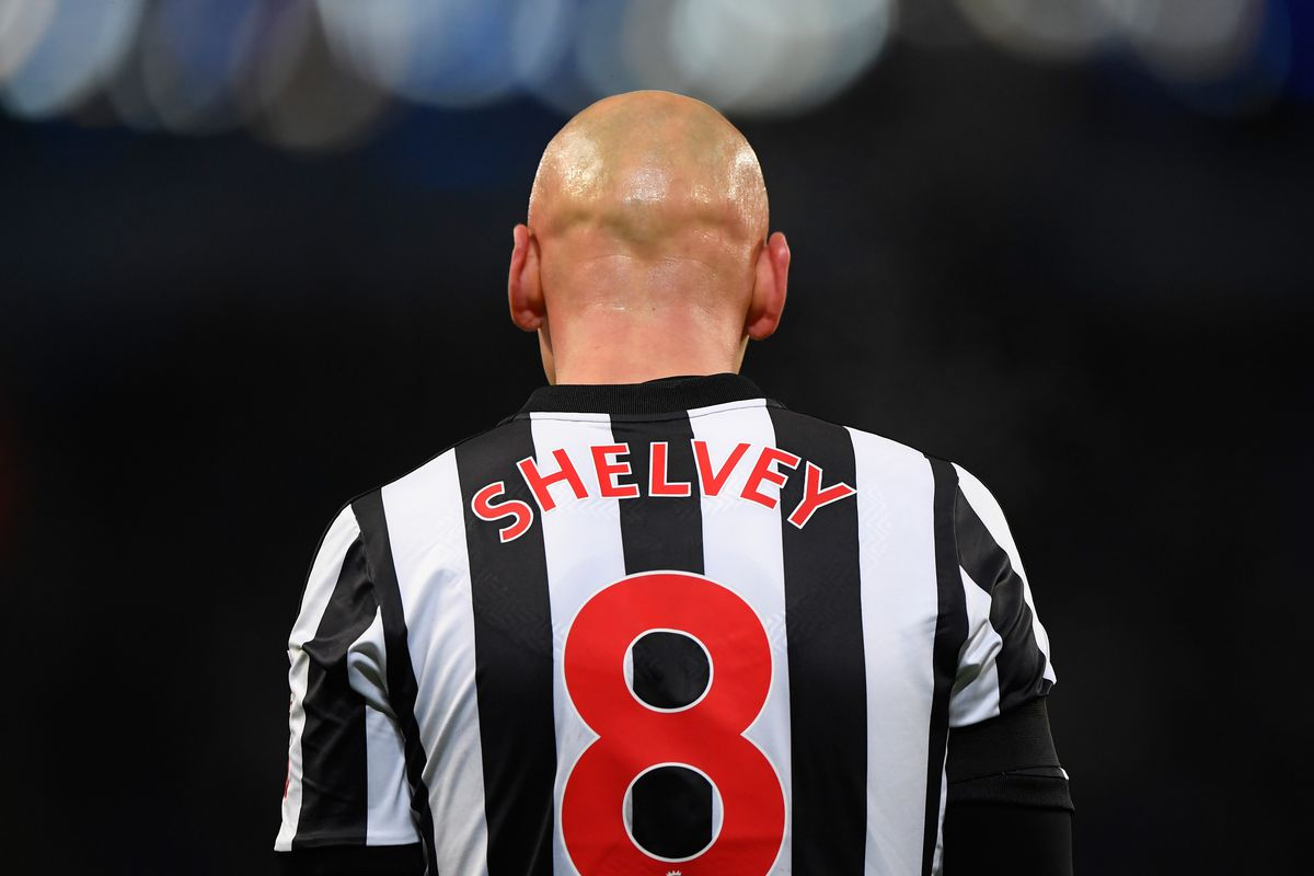 Newcastle's Jonjo Shelvey facing second scan on knee injury