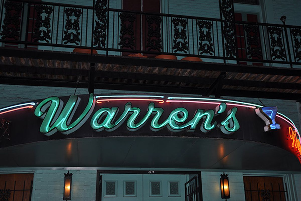 Looking for a dive bar in Downtown? Look no further than Warren's Inn in Market Square.
