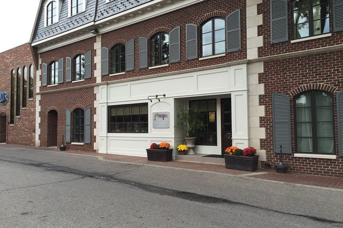 Jumps Restaurant Facebook Grosse Pointe Farms Eatery Temporarily