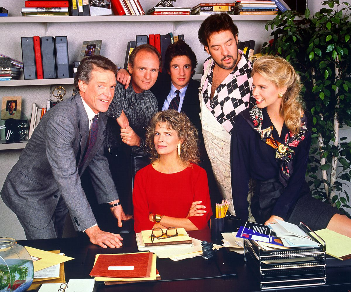 Murphy Brown review: the latest sitcom revival, explained - Vox