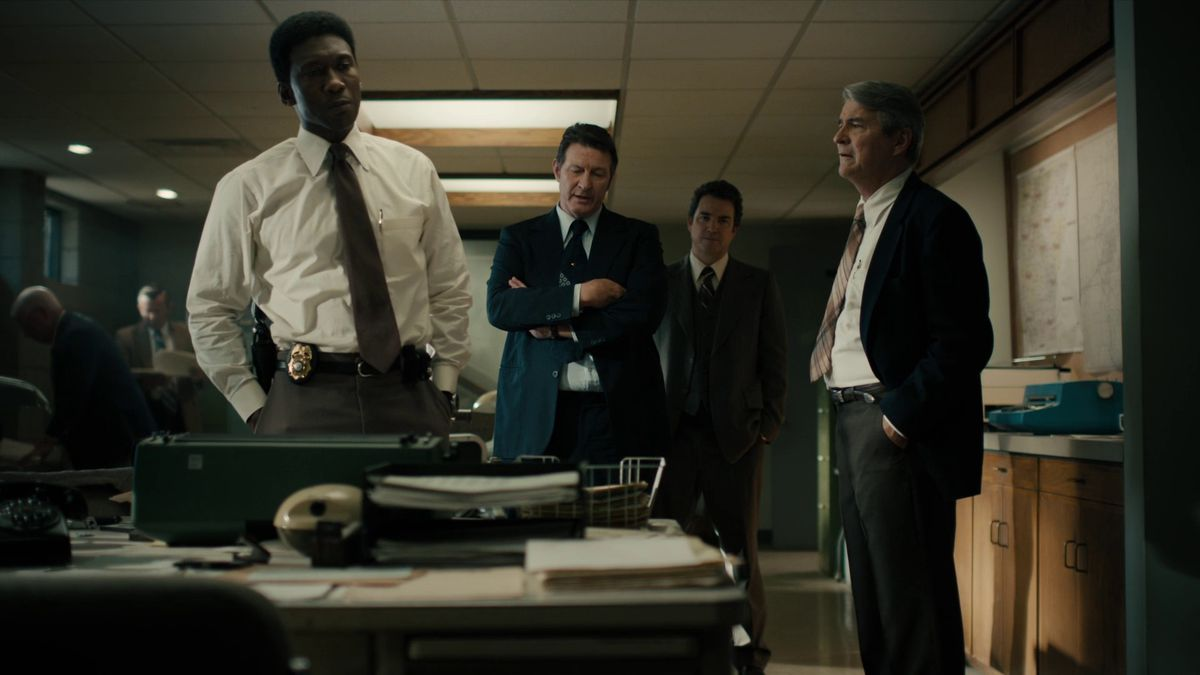 True Detective season 3 episode 6 Wayne, Kindt and more at the police station, 1980