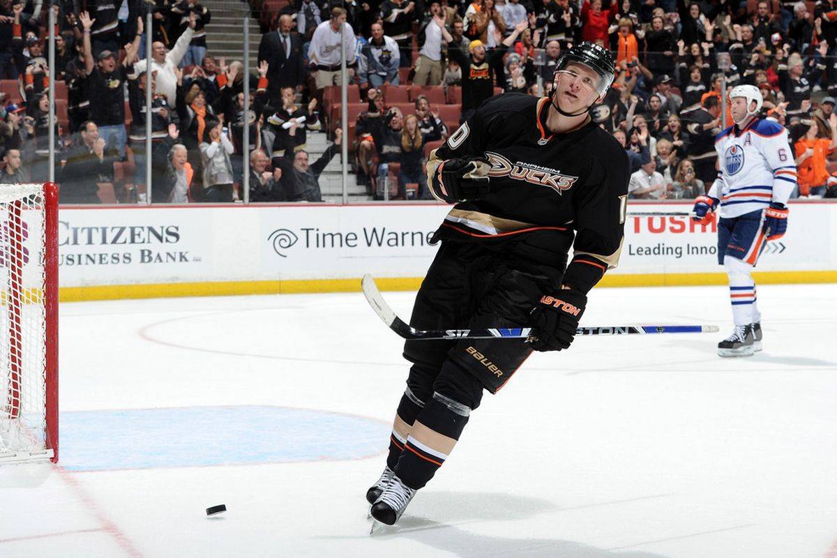 Perry's goal to seal the Ducks win was even easier than this makes it look.
