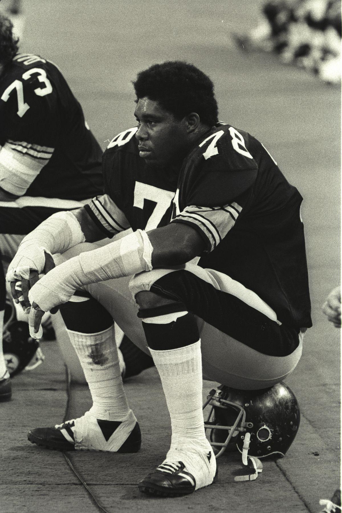 Steelers Dwight White
