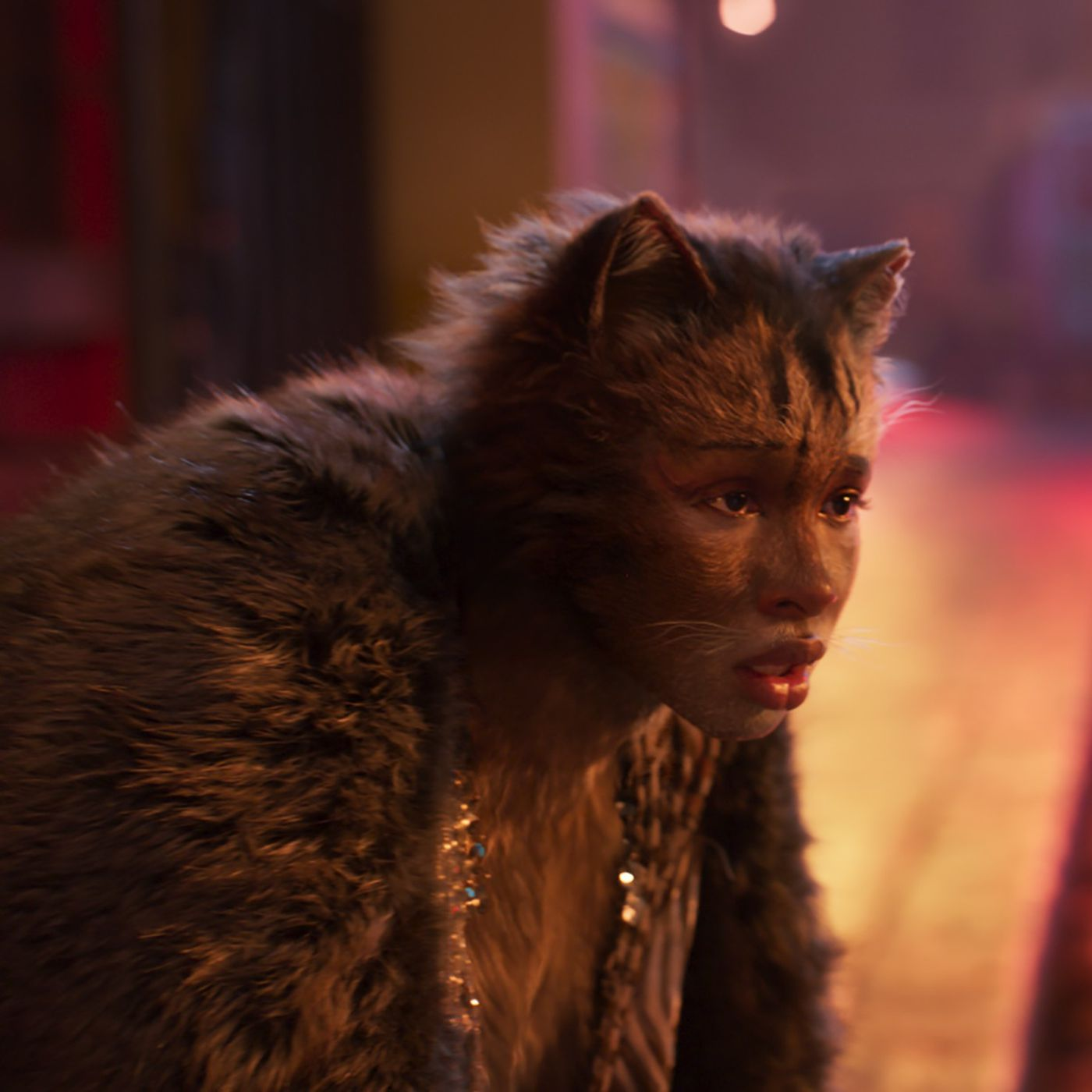 Cats Movie Review Musical Coughs Up A Hairball Of Self Indulgence And Creepy Human Feline Hybrids Chicago Sun Times