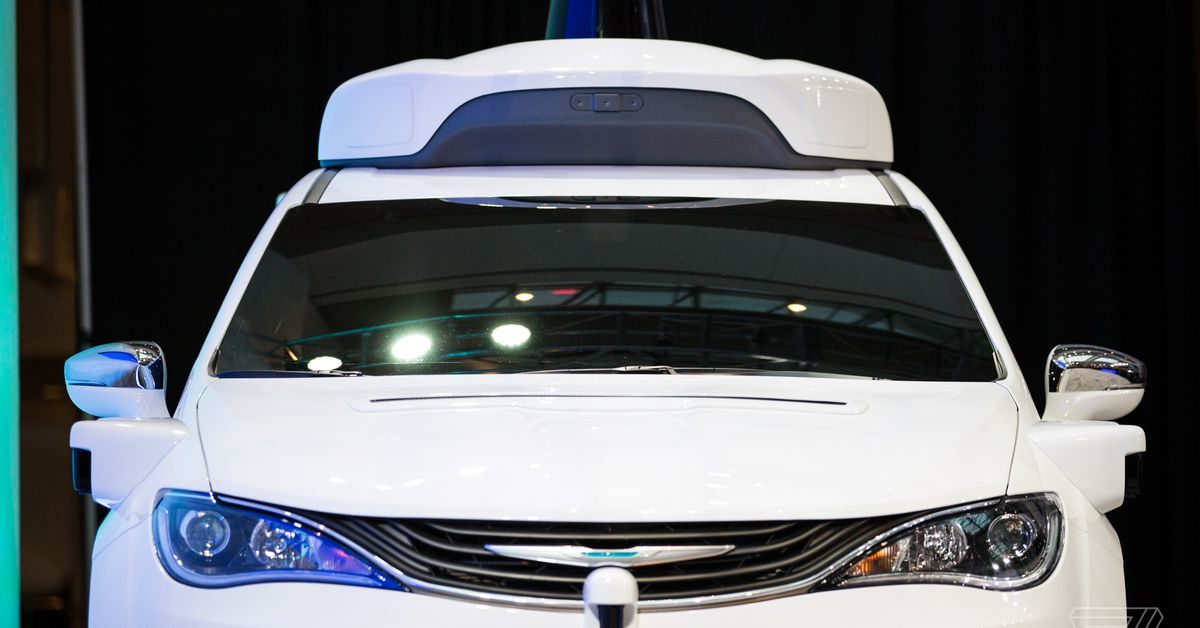 photo image Americans still deeply skeptical about driverless cars: poll